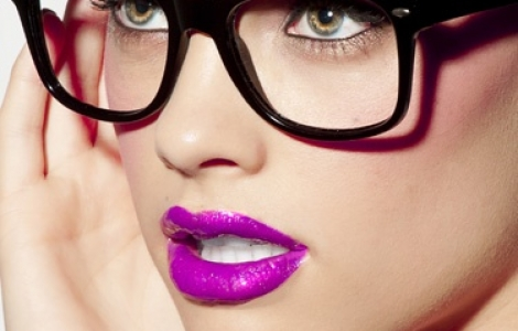 ZOMER MAKE-UP TRENDS TO GLAM UP JOUW LOOK, ZONDER JE